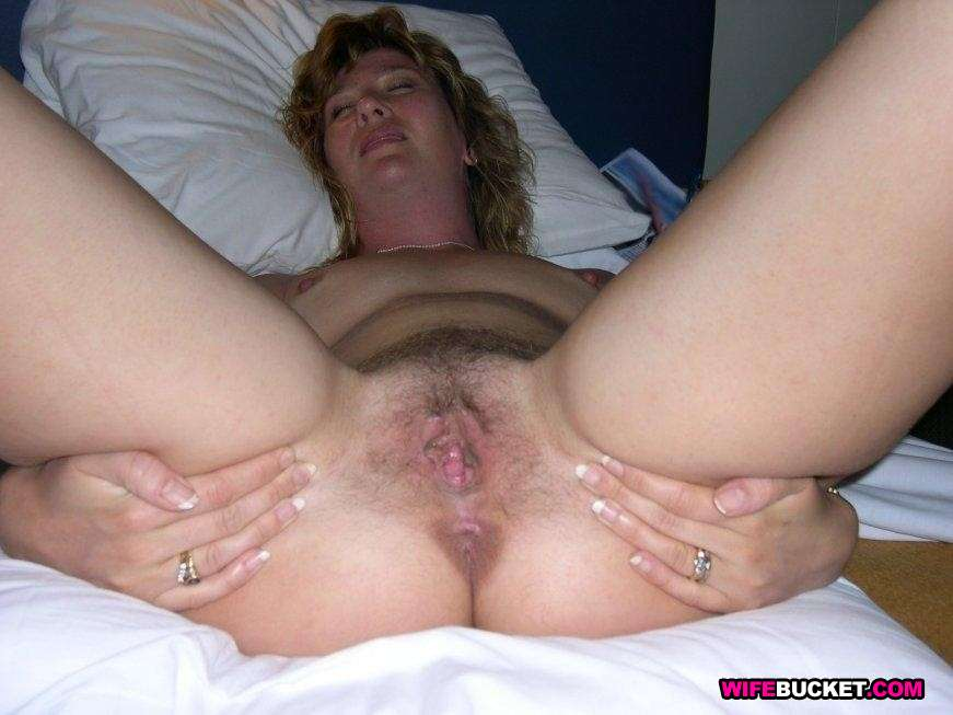 Amature milf mom