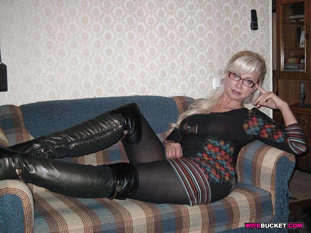 Husbands wives wearing pantyhose non-nude photos