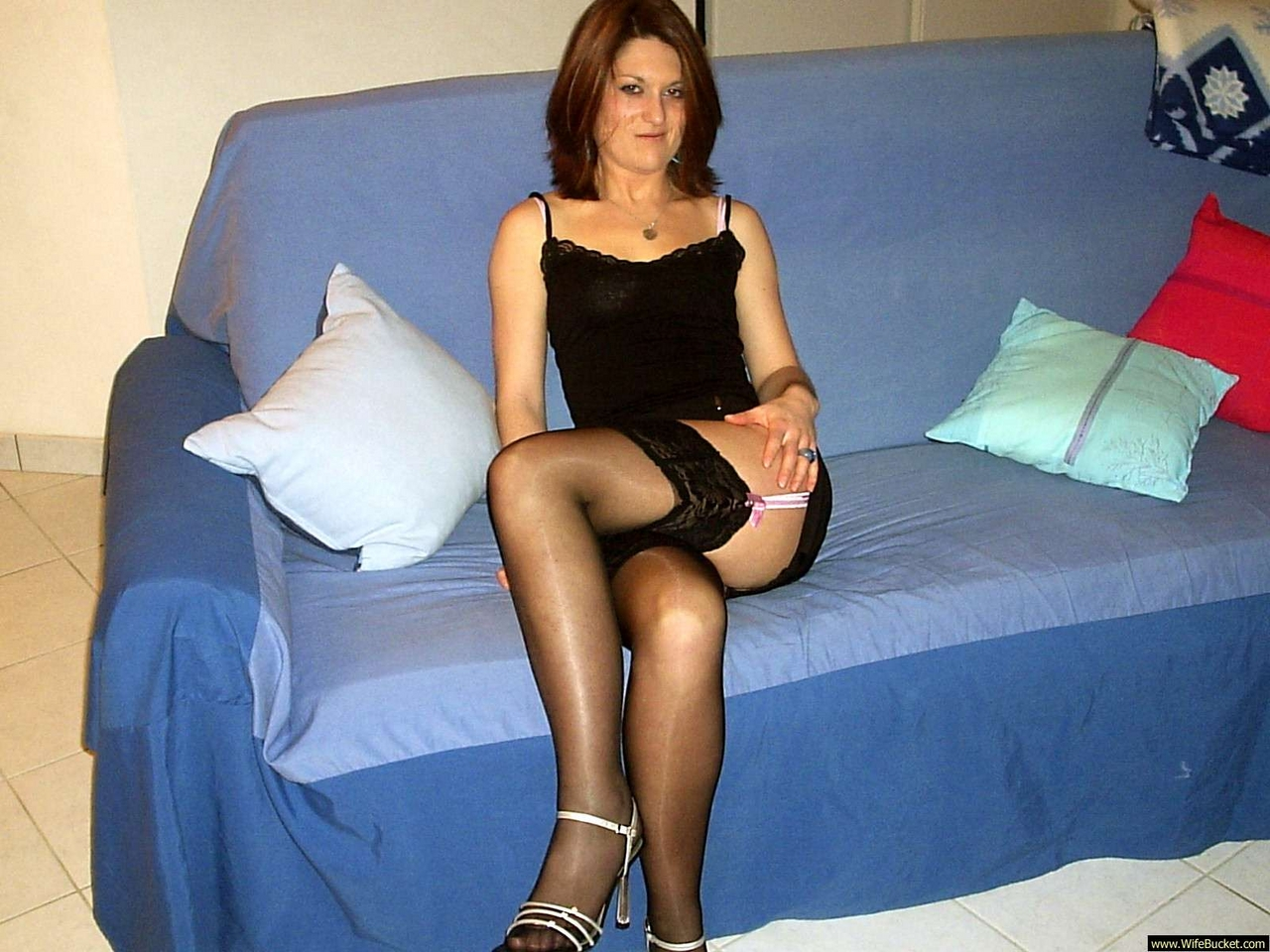 Milfs Neighbours 107
