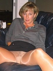 Check out this horny old lady. She really know how to treat the cock.�