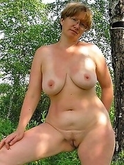 Old whores exposes old pussies, private photos